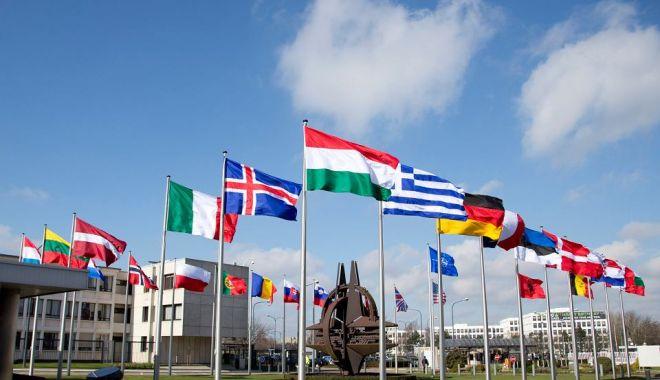 Foto: NATO, propusă la premiul Nobel pentru Pace