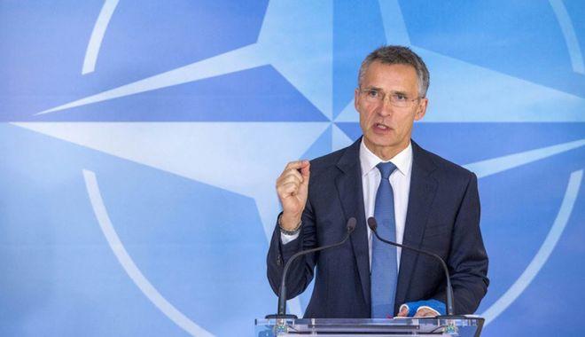 Foto: NATO apreciază că atacurile aeriene din Siria au fost un mesaj la adresa Rusiei și Iranului