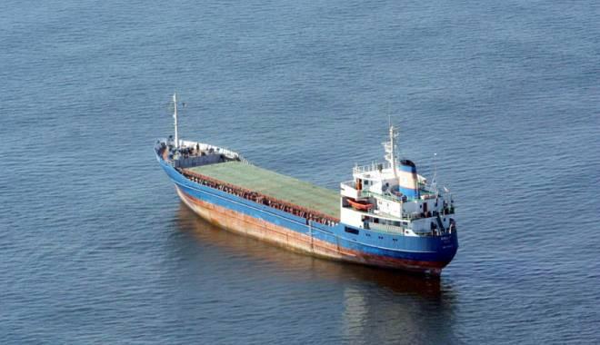 """Foto: Naufragiul vrachierului """"Blaj"""" -  ultimele ore ale unui abandon în Atlantic"""