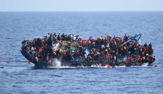 Foto: Naufragiu în Mediterana. Cel puţin opt morţi