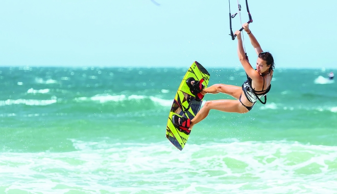 Foto: Kite-surfing, agrement nautic la Mamaia