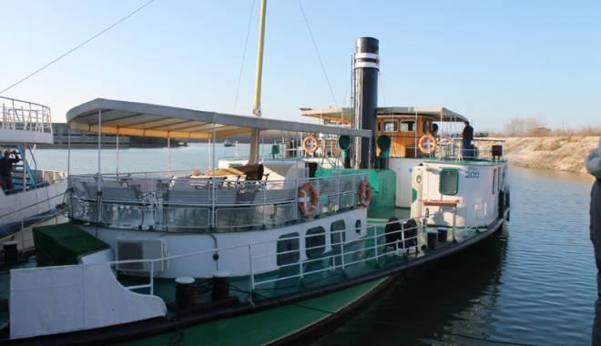Foto: Iahtul prinţului Ferdinand, reparat şi lansat la apă