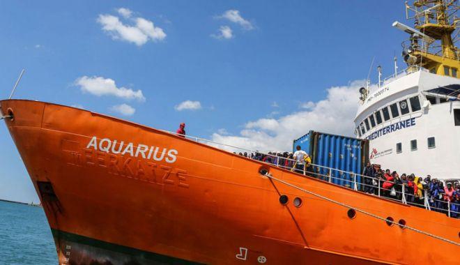 Foto: Nava umanitară Aquarius, probleme cu justiţia italiană
