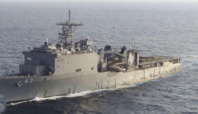 """Foto: Nava americană de desant """"USS Fort McHenry"""",  vizită în Portul Constanţa"""