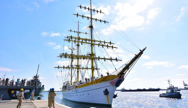 """Foto: Nava Şcoală """"Mircea"""" a revenit  în Portul Constanţa, după un voiaj internaţional de 2.400 de mile marine"""