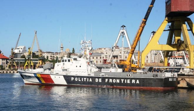 Foto: Polițiștii de frontieră români au salvat 46 de sirieni, în apele Mării Egee
