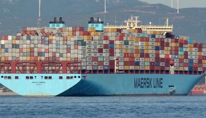 "Foto: Nava ""Merete Maersk"" a pierdut 43 de containere în Mediterana"