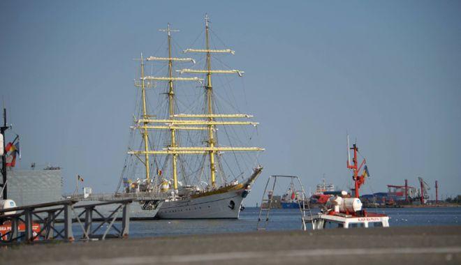 """Foto: Nava Şcoală """"Mircea"""" pleacă într-un marş internaţional de instrucţie"""