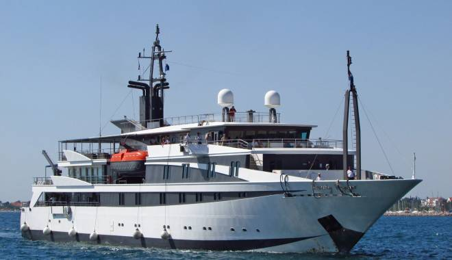 "Foto: Nava de pasageri ""Variety Voyager"" a acostat în portul Constanţa"