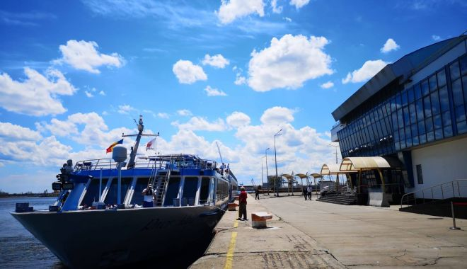 "Navele de pasageri ""Treasures"" și ""River Adagio"" au acostat în portul Constanța - naveledepasageri8222treasures822-1558645403.jpg"