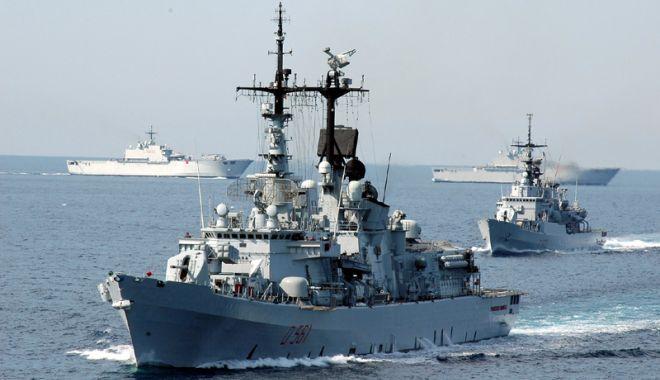 """Foto: Marinarii militari participă la exercițiul """"Breeze""""18 din Marea Neagră"""