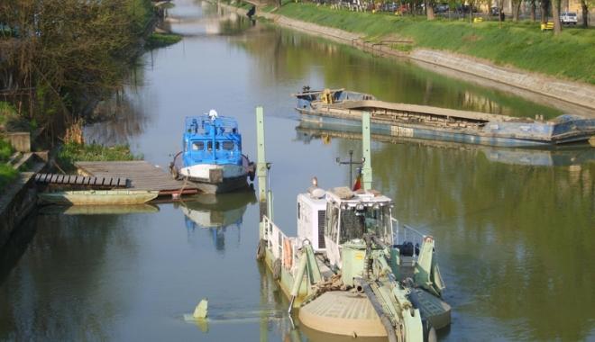 Foto: Navigaţia pe Canalul Bega va fi redeschisă cu bani europeni