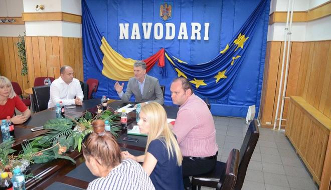 Foto: Consilierii locali din Năvodari, convocaţi în şedinţă. Ce proiecte vor aproba