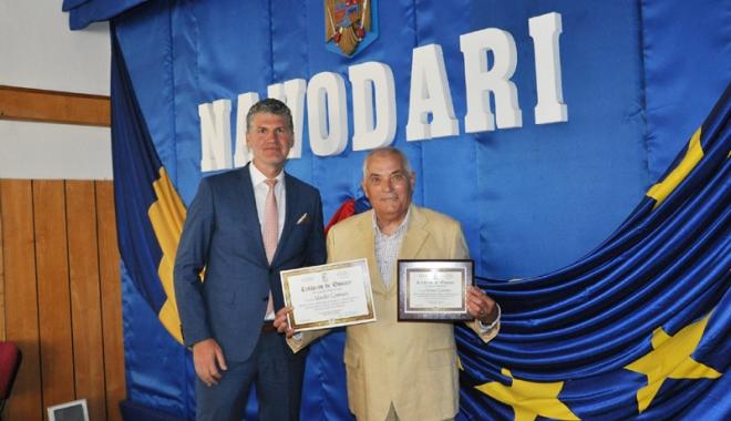 Foto: Profesorul Vasile Coman, cetăţean  de onoare al oraşului Năvodari