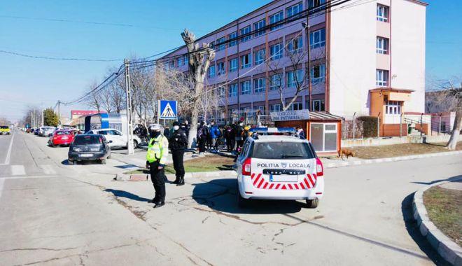 """Primarul Florin Chelaru: """"Poliţia Locală din Năvodari asigură siguranţa elevilor"""" - navodari-1613923117.jpg"""
