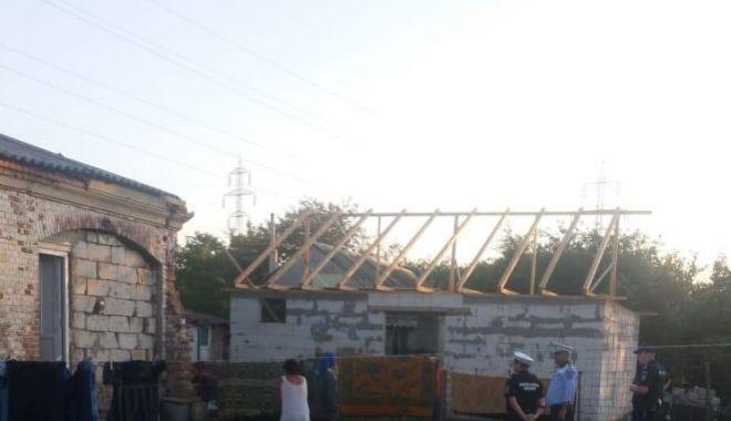 Foto: Somații de evacuare pentru 150 de persoane care locuiesc ilegal în Năvodari