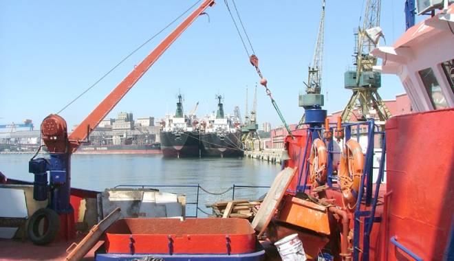 Foto: Ne facem de r�sul na�iunilor maritime