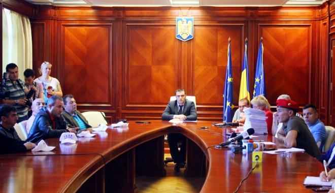 Foto: Negocieri eşuate  între primarul Radu Mazăre  şi sindicaliştii grevişti