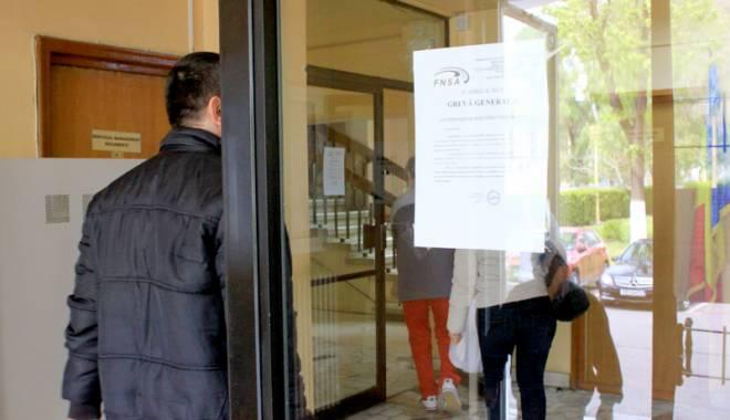 Foto: Negocieri anulate. Sindicatele din administraţia publică ameninţă cu proteste
