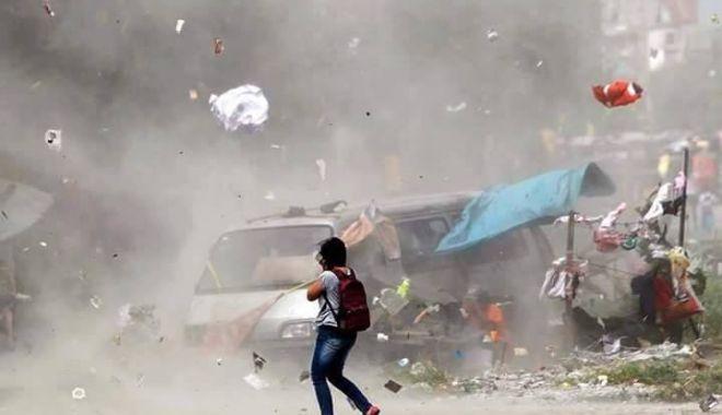 Foto: FURTUNĂ UCIGAŞĂ LA PROPRIU! 25 de morţi şi 400 de răniţi