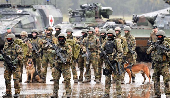 """Foto: """"Nerespectarea obiectivului de finanţare slăbeşte NATO"""""""