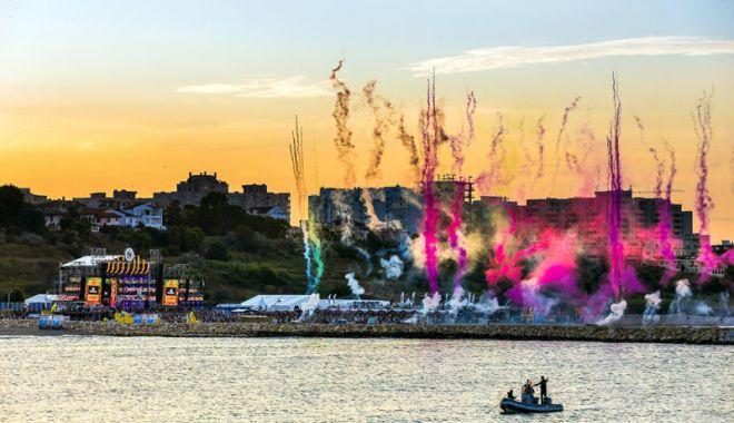 Foto: Plaja Modern devine Plaja Neversea. Cea mai mare scenă de pe litoralul românesc