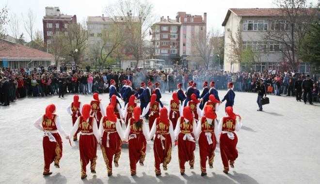 Foto: Primăvara își intră în drepturi de Nevruz