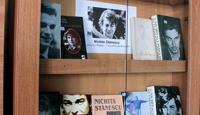 """Foto: """"Nichita, poetul  din viitor"""", expoziție  la Muzeul de Istorie"""
