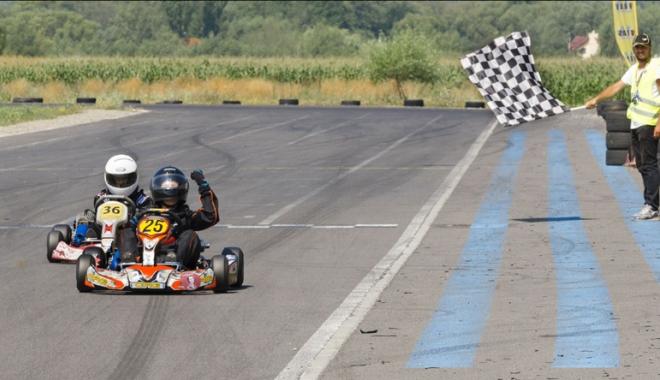 Foto: Nicio etapă fără emoţii în Campionatul Naţional de karting! Fraţii Onoaie, curse excelente