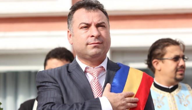 """Foto: REACŢIE ÎN FORŢĂ / Primarul Matei refuză """"bomboana otrăvită"""" a parlamentarilor PSD de Constanţa"""