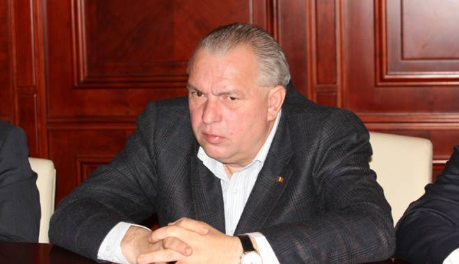 Foto: Nicu�or Constantinescu, condamnat la �nchisoare cu executare