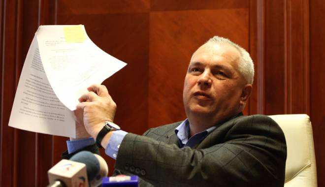 Foto: Percheziţii  la CJC. Nicuşor Constantinescu, reţinut 24 de ore!