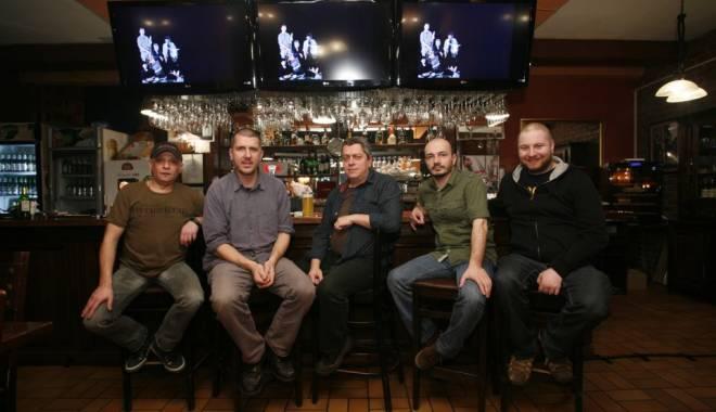 Foto: Nightlosers va susţine două concerte în Vamă