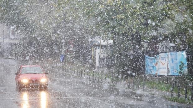Pleci la drum? A revenit ninsoarea în România! - ninge-1552725875.jpg