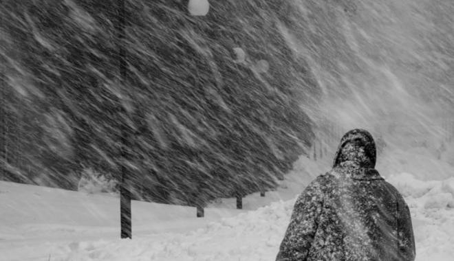 Foto: Atenţionare meteo COD GALBEN de NINSORI VISCOLITE şi vânt puternic pentru opt judeţe