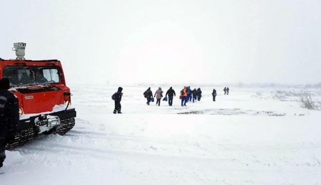 Foto: Noapte albă pentru salvatorii constănţeni. Peste 800 de persoane scoase din nămeţi