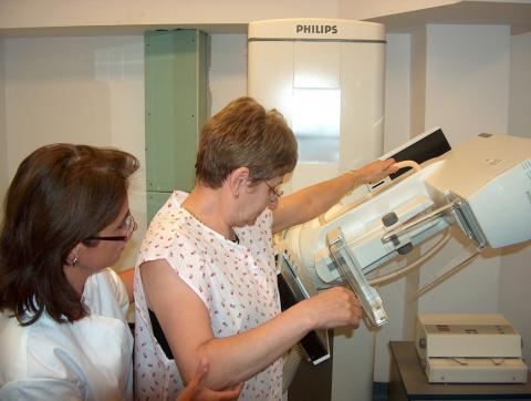 Cum deosebim cancerul de sân de un banal nodul - nodulisan-1315327483.jpg