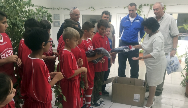 Foto: Noile echipamentele oferite de ACS Rugby Team au ajuns la Cumpăna