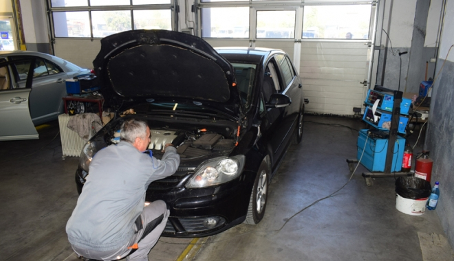 Foto: Noi reguli pentru maşinile cu vechime. ITP, obligatoriu în fiecare an