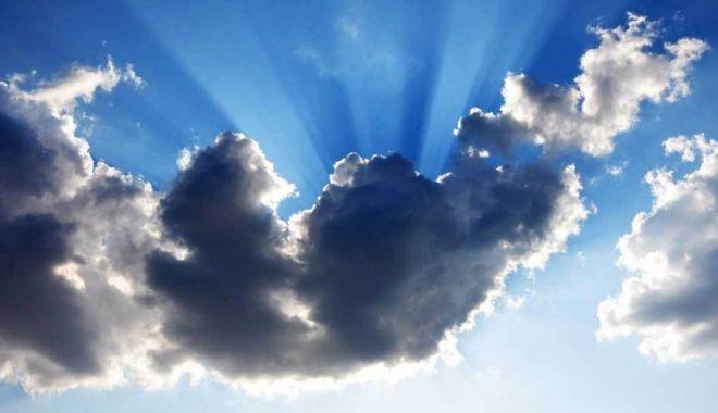 Foto: Când soare, când nori, astăzi, la Constanţa