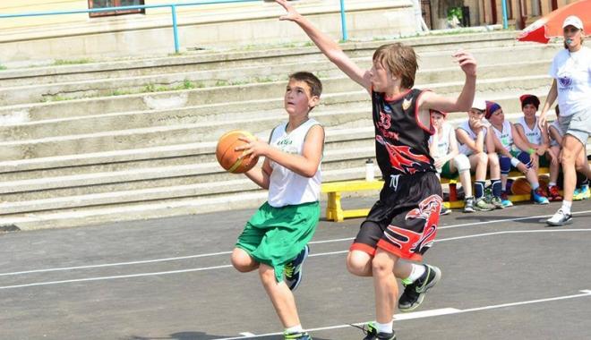Foto: Nouă echipe din judeţul Constanţa, angrenate  în Liga Naţională  de baby şi mini-baschet