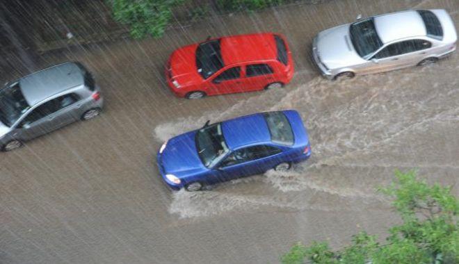 Foto: Urgie în România! Furtunile au făcut ravagii