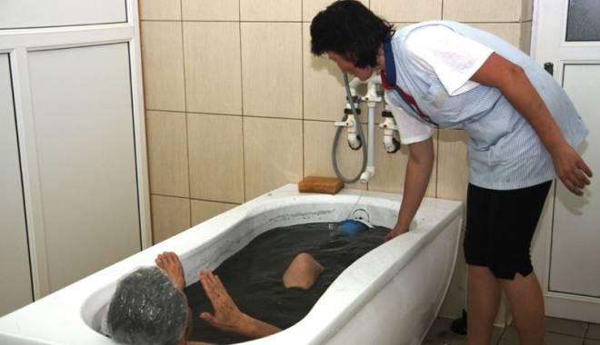 Foto: Pensionarii îşi pot depune cererile pentru biletele de tratament
