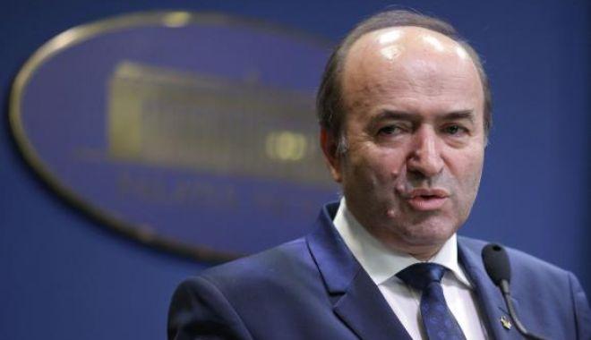 Soarta lui Tudorel Toader, decisă miercuri de PSD. Cine ar putea fi noul ministru al Justiţiei - ntgwjmhhc2g9zdkyyjmxnwu1y2njmda1-1555445089.jpg