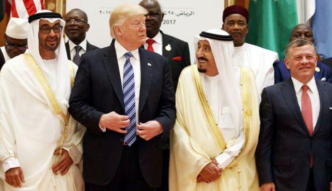 """Foto: """"Nu ai rezista la putere  fără sprijinul Statelor Unite!"""""""
