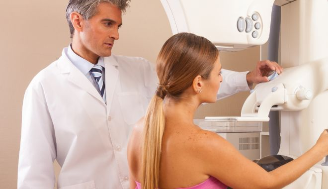 Foto: Nu neglijați scurgerile mamelonare ! Ce probleme pot indica