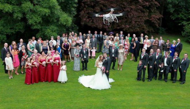 Incident mai puțin obișnuit. O dronă a căzut în capul unei nuntașe! - nuntafilmatacudrona17178700-1567424658.jpg