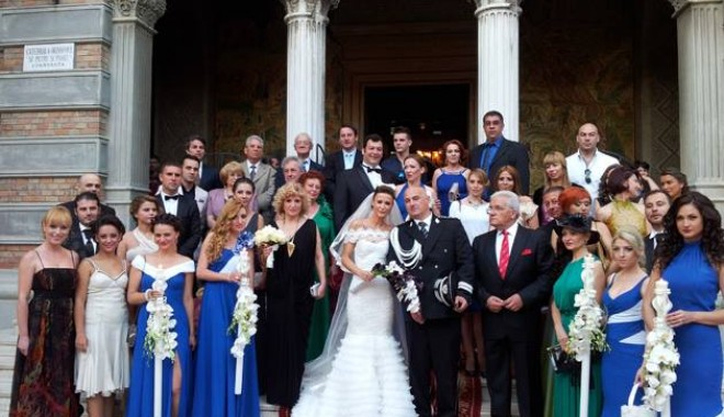 Galerie FOTO. Managerul Iaki Mamaia și șeful Crimei Organizate s-au căsătorit în stil rock-baroc - nuntapavel1370161141-1370254021.jpg