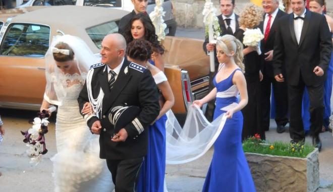 Galerie FOTO. Managerul Iaki Mamaia și șeful Crimei Organizate s-au căsătorit în stil rock-baroc - nuntapavel31370161175-1370254040.jpg