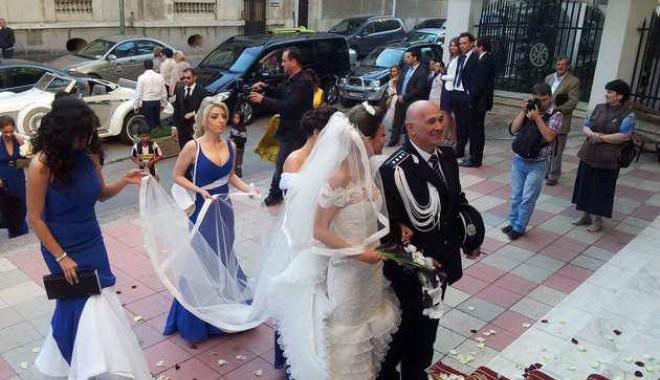 Galerie FOTO. Managerul Iaki Mamaia și șeful Crimei Organizate s-au căsătorit în stil rock-baroc - nuntapavel61370161196-1370254066.jpg